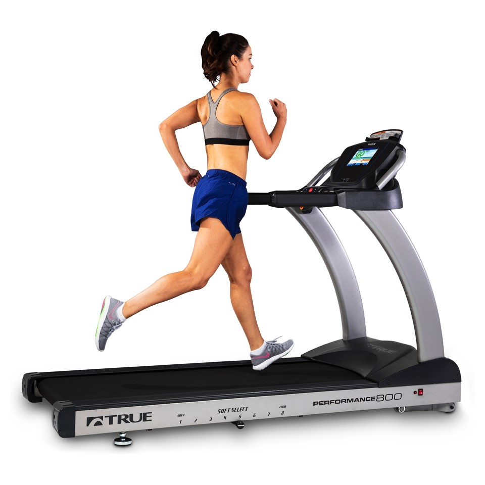 TRUE Performance 800 Treadmill Woman Running